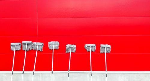 Veste, kako pravilno očistiti vaša garažna vrata?