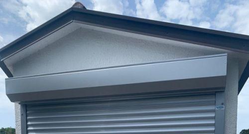 Rolo garažna vrata kot rešitev prostorske stiske