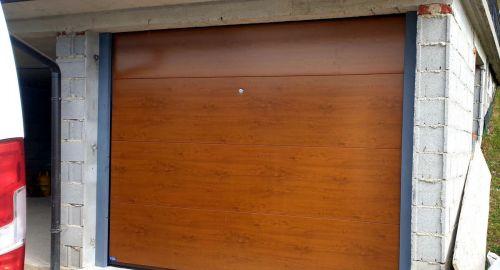 Sekcijska ali rolo garažna vrata. Veste, katera izbrati?